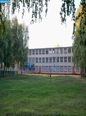 http://tambovgrad.ru/modules/photo/images/1824-Shkola-v-sele-Staroseslavino.jpg